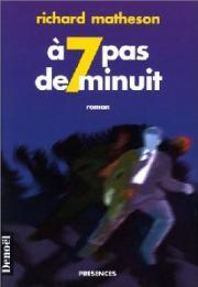 A sept pas de minuit