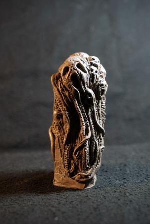 La statue Totem des Sombres Pensées