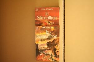 Lot : Le Silmarillion de J. R. R. TOLKIEN (J'ai Lu SF)
